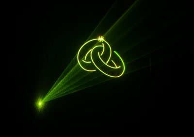 Lasergrafik auf einer Hochzeitslasershow
